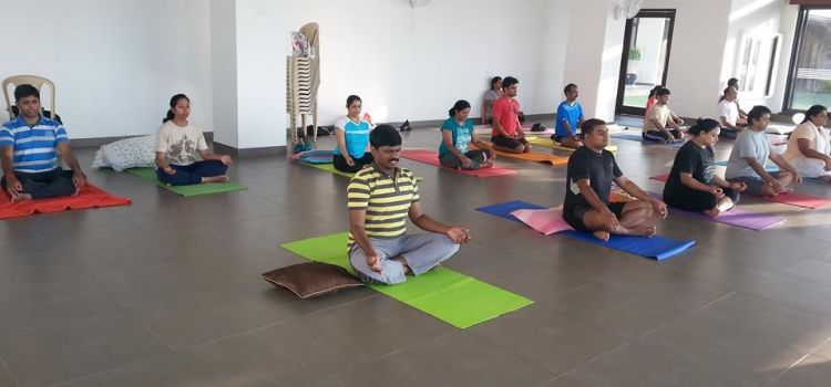 Sumeet's Yoga-Begur-7921_ob8b84.jpg