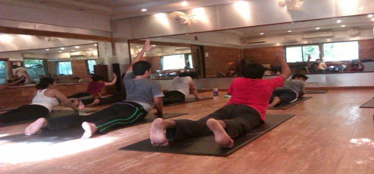 Bharat Thakur Artistic Yoga_693_bkyecc.jpg